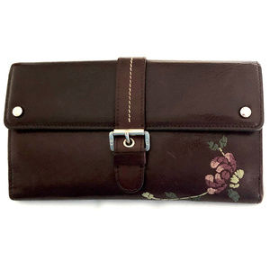 Rare Dior Leather Wallet in Excellent Condition